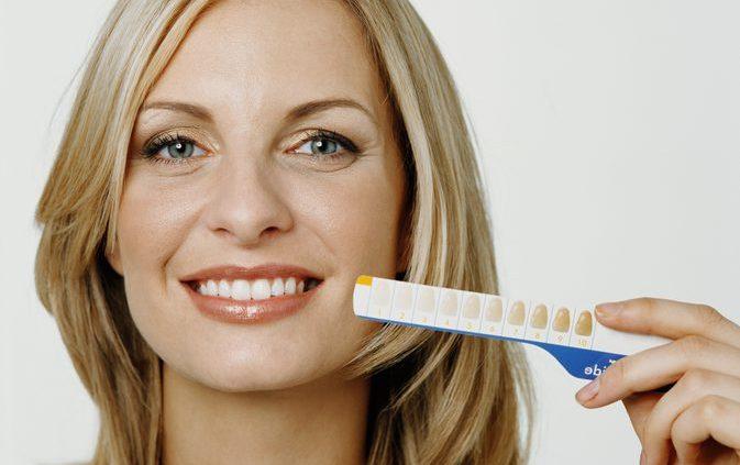 عوارض جانبی سفید کردن دندان با پراکسید کربامید